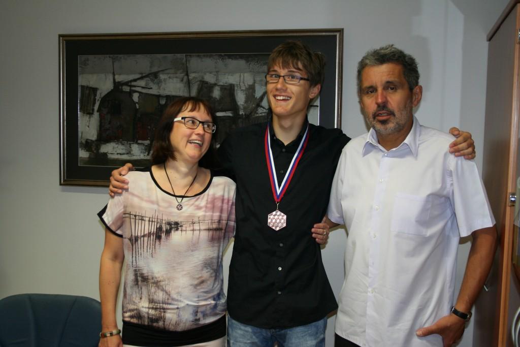 Domen Vreš osvojil bron na Srednjeevropski matematični olimpijadi